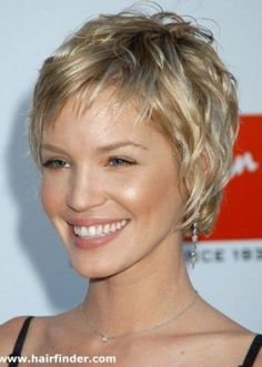 Short layered bob hairstyles for older women