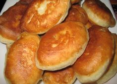 Quick pies on kefir Ingredients: For the dough: - A glass of kefir - About 4 cups flour - 2 eggs - 2 tbsp. Ukrainian Recipes, Russian Recipes, Tasty, Yummy Food, Kefir, Hot Dog Buns, Food To Make, Bakery, Food And Drink