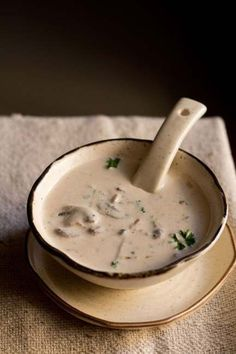 cream of mushroom soup recipe with step by step photos. one pot delicious mushroom soup recipe. easy and quick cream of mushroom soup recipe. Mushroom Soup Recipes, Veg Recipes, Vegetarian Recipes, Cooking Recipes, Veg Dinner Recipes, Creamed Mushrooms, Stuffed Mushrooms, Cook Mushrooms, Soup And Sandwich