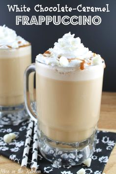 White Chocolate-Caramel Frappuccino a delicious coffee treat made easily at home. I am kicking the new year off with my favorite beverage- COFFEE! It's been too long since I've had a d… Smoothies, Smoothie Drinks, Yummy Drinks, Yummy Food, Chocolate Caliente, Chocolate Blanco, Chocolate Chips, Coffee Creamer, Coffee Recipes