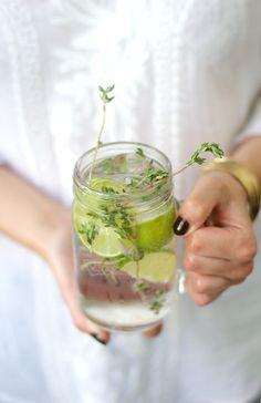 The Botanical Spring from THEDASHINGRIDER.com with Fentimans Wild English Elderflower Lemonade, Hendricks Gin, Lime and Thyme #longdrink #cocktail
