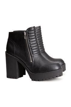 Black Chunky Boots H
