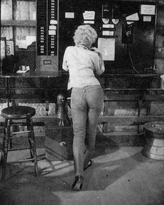 Blonde and bootyful ❤️ #MarilynMonroe