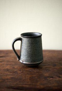 "Kan Ito ""Pottery"" exhibition at Sapporo Babaghuri Shop Clay Teapots, Clay Mugs, Pottery Mugs, Ceramic Pottery, Ceramic Cups, Ceramic Art, Earthenware, Stoneware, Potters Clay"