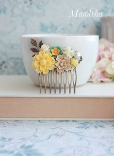 Yellow Wedding Comb Chrysanthemum Flower Comb, Green, Brown Sakura, Ivory, Pearl, Yellow Collage Comb Bridesmaids Gift Yellow Wedding Summer