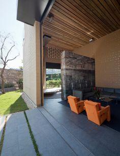 Casa Tierra de Serrano - Monjaraz Arquitectos.  En la Ciudad de México.  #interior #exterior #design #architecture #architect #home #arquitectura #interiores