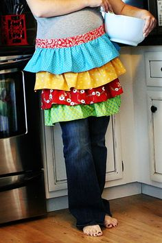 i have way to many aprons, but I think I need to make one more