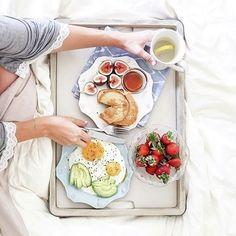 "Juliska on Instagram: ""Saturday's are perfect for breakfast in bed and Berry & Thread. 📸: @weeknightbite #SaturdayMornings #BreakfastInBed"""