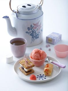 umm tea and gelato.