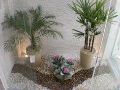 Visite o post para mais. jardim inverno pedrisco Indoor Garden, Indoor Plants, Courtyard Landscaping, Rock Garden Design, Window Well, Stair Decor, Interior Garden, Plant Nursery, Small Gardens