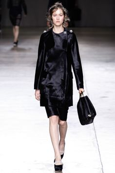 Simone Rocha Fall 2014 Ready-to-Wear Fashion Show
