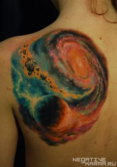 Nothing beats a beautifully made tattoo. It's usually hard to get a beautiful galaxy tattoo but when you do, the colors could transport you directly in a haze of mystery and peace. Back Tattoos, Future Tattoos, Love Tattoos, Beautiful Tattoos, Girl Tattoos, Ankle Tattoos, Arrow Tattoos, Friend Tattoos, Tatoos