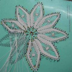 Farm Crafts, Diy Crafts, Baby Blanket Crochet, Crochet Baby, Bobbin Lace Patterns, Daisy, Needle Lace, Lace Design, Half Double Crochet