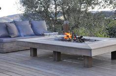 Table à Feu - Mobilier, salon de jardin OUTDOOR, La gamme SAHARIAN avec sa table à feu chaleur, confort, lumière pour vos extérieurs