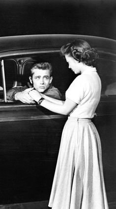 Natalie Wood and James Dean in Rebel Without a Cause, 1955 Old Hollywood Actors, Vintage Hollywood, Classic Hollywood, Hollywood Photo, James Dean Photos, Rebel Without A Cause, Jimmy Dean, Nostalgia, Old Movie Stars
