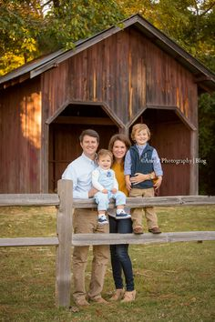 Bluff Park always makes for the best photos! I love doing outdoor sessions and with the fall season, the location is even more beautiful! This family session was a blast, the photoshoot was so much fun!