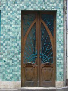 France~Pharmacie Rosfelder (1902) - 12 rue de la Visitation, Nancy (54) by Yvette Gauthier, door