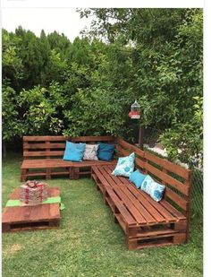 Pallet garden furniture