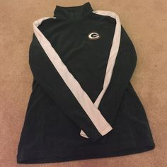 Green Bay Packers quarter zip fleece this quarter zip fleece was purchased at the Packers lambeau field pro shop! Practically new, I think I wore it twice. perfect condition and the fleece is still super soft. NFL Tops Sweatshirts & Hoodies