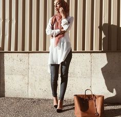 Skinny jeans with white tunic and hijab in accent color - check out: Esma <3