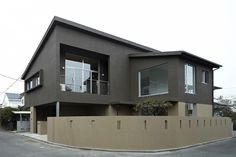 相模原の2世帯住宅 | シンプルでスタイルのある建築を作っています | 桑原茂建築設計事務所
