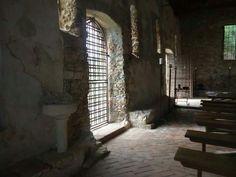 Varigotti Church: san Lorenzo
