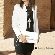 #Conjunto #bolso #bandolera #blanco, #collar #nacar y #anillo solo en themoonschoice.com   #new #nuevo #primavera #verano #moda #tendencia #ss #ss15 #fashion #trends #ootd #outfit #fiesta #evento #bag #necklace #ring #style #bisuteria #accesorios #accesories #themoonschoice