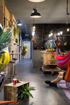 iluminación en local de diseño para veganos