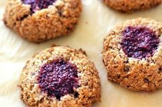 Kokosky s chia marmeládou - Recepty Love Eat, Macarons, Doughnut, Muffin, Paleo, Healthy Eating, Meals, Cookies, Dining
