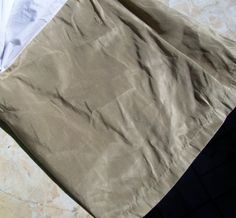Hotel Collection Shimmer Taupe Queen Bedskirt Dust Ruffle 16 Drop Euc - Bed Skirts