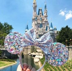 Eat Your Way Through Disneyland And We'll Give You Some Minnie Ears To Wear Disney Minnie Mouse Ears, Diy Disney Ears, Cute Disney, Disney Day, Disney Trips, Disney Travel, Disney Cruise, Disney Stuff, Disney Collection