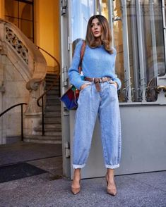 Look con jeans retro o Mom jeans: Como llevarlos Classy Outfits, Trendy Outfits, Fall Outfits, Looks Street Style, Looks Style, Mode Outfits, Fashion Outfits, Womens Fashion, Jeans Trend