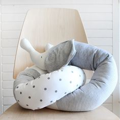 Baby elephant bumper pillow in Ivory and grey 70.00$