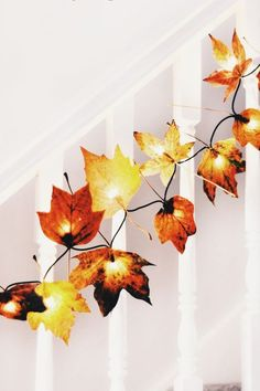 Leaf Crafts, Fall Crafts, Diy And Crafts, Decor Crafts, Autumn Room, Autumn Leaves Craft, Fall Leaves, Red Leaves, Christmas Fairy Lights