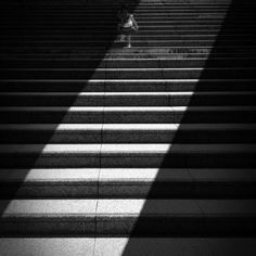 Souichi Furusho (Japan) Mobile Photography Awards winner Souichi Furusho is a Japanese photographer and graphic designer who caught everyone's attention with his stark use of light and shadow. Photography Awards, Mobile Photography, Zebra Crossing, Graphic Art, Graphic Design, Light Painting, Light And Shadow, Shades Of Grey, Dark Art