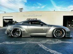 Nissan GTR R35..