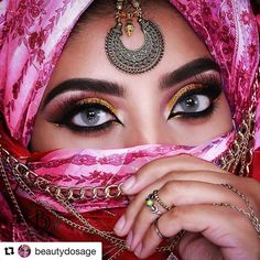 3abf2870b WEBSTA @makeupaddictioncosmetics Gorgeous golden look by @beautydosage ・・・  Love a good close