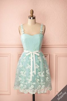 Henley - Mint green shimmery tulle dress with white flower embroidery Grad Dresses, Dress Outfits, Casual Dresses, Short Dresses, Fashion Dresses, Summer Dresses, Formal Dresses, Dress Skirt, Dress Up