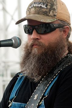 Listen to every Chris Stapleton track @ Iomoio Country Music Artists, Country Songs, Jamie Johnson, Hank Williams Jr, Chris Stapleton, Outlaw Country, Upcoming Concerts, Awesome Beards, Oakley Sunglasses