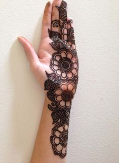 Simple and beautiful henna design 2019