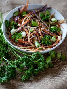 Creamy Garlic Carrot Salad #Vegan #Salad #Carrot