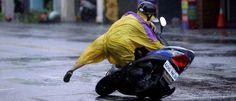 InfoNavWeb                       Informação, Notícias,Videos, Diversão, Games e Tecnologia.  : Tufão Megi causa mortes e transtornos em Taiwan