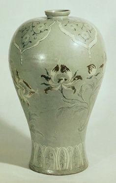 Korean Pottery, Korean Art, Vase, Cosmetics, Ceramics, Inspiration, Home Decor, Flower Vases, Vases