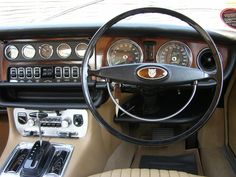 The dashboard of a classic #Jaguar #XJ series 1 featuring Smiths gauges http://www.smiths-instruments.co.uk/blog/smiths-gauges-and-the-jaguar-xj-series-1