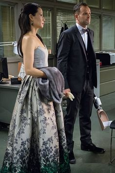 Jonny Lee Miller and Lucy Liu in Elementary Sherlock Holmes Elementary, O Film, Grey Evening Dresses, Jonny Lee Miller, All In The Family, Lucy Liu, 221b Baker Street, Rpg, Fashion Styles