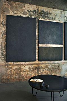schoolborden (meerdere) voor aantekeningen en misschien een zwart geverfd prikbord