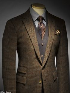 It's safe to assume that most men have a couple pairs of jeans, some T-shirts, a sweatshirt or two, and maybe a few button-down shirts in their wardrobe. If you don't have those, you're either unusually well-dressed or very inventive.The way to go from looking like everyone else to looking sharp and