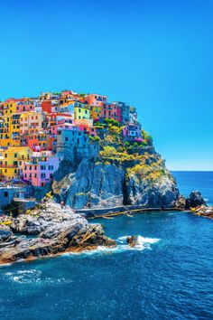 Looking for the best day trips from Florence? We have curated a list of 17 amazing places to visit from Florence including . Giorgio Vasari, Things To Do In Italy, Seaside Resort, Rome Travel, Medieval Town, Most Beautiful Cities, Cinque Terre, World Heritage Sites, Cool Places To Visit