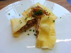 Schnelle Maultaschen mit Spargel  #maultaschen #spargel #asparagus #asperges #ravioli #grünerspargel #weißerspargel #heimat #heimatliebe #home #schwäbischeküche #schwäbisch #pasta #spargelzeit #spargelwoche2 #regional #saisonal #kuechenlaerm