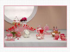 candy bar rosa y blanco para bodas y fiestas. Mesa de dulces. wedding